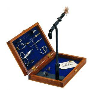 vliegbindset-box-houten kist-bindvice-hackleklem-whip finisher-bobbinhouder-vliegbinden-set-venlo