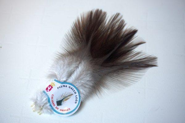 A kwaliteit-Chevron hackles-Coq de Leon Medium Indio-zadel-hoendersoort-spanje-leon-fibers-tails-wings-sedges-dun imitaties-gespikkeld-nekharen-vliegbinden-venlo