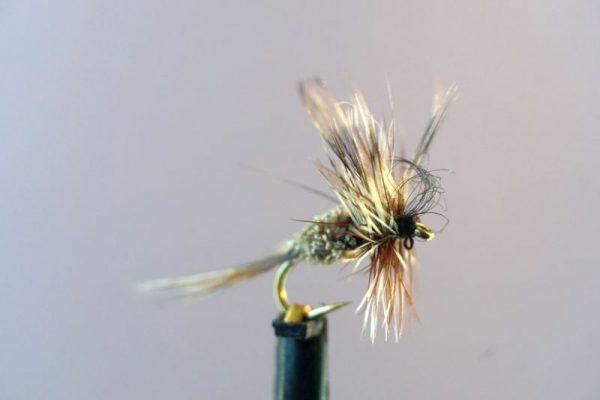 1000vliegen.nl-droge vliegenset-vliegendoos grijs-set 30 stuks-topkwaliteit-haken-forel-witvis-vliegvissen-vliegvisser-haakmaat 14-haakmaat 16-venlo