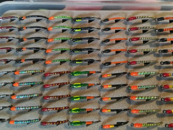 1000vliegen.nl-buzzers-set 20 stuks-Fulling Mill-35005 haken-barbless-gebonden in nederland-forel-reservoirs-ronde bleek-haakmaat 10-haakmaat 12-topkwaliteit-vliegvissen-forel-venlo