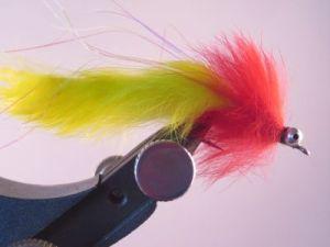 1000vliegen-nl-baars-diver-fire-tiger-oranje-en-gele-streamerdumble-eyes-extra-werpvermogen-polder-weedguard-roofvissen-reservoir-rivier-roofvis-snoek-snoekbaars-venlo-vijver-vliegvi