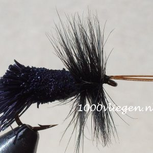 1000vliegen.nl-droge vlieg-Goddard Caddis Black-hertehaar- vlieg-forel-vlagzalm-voorn- -dry fly-vliegvissen-rivier-vliegvisser-drijvend--venlo