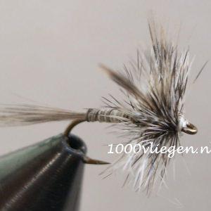 1000vliegen.nl-droge vlieg-Mosquito-mug–vlagzalm-forel-dry fly-vliegvissen-rivier-vliegvisser-drijvend--venlo