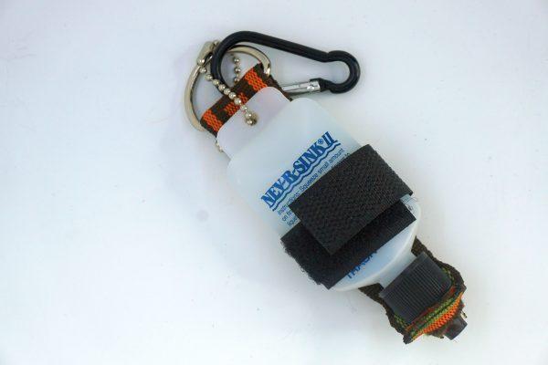 1000vliegen-nl-bottle-holder-nev-r-sink-cdc-olie-klittenband-vliegvis-accessoires-vliegvissen-vliegvisser-venlo