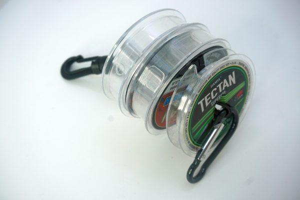 1000vliegen-nl-tippet-holder-forel-handig-makkelijk-fluocarbon-tippetmateriaal-tippet-spoelen-roofvis-roofvisser-venlo-vliegvissen-vliegvisser